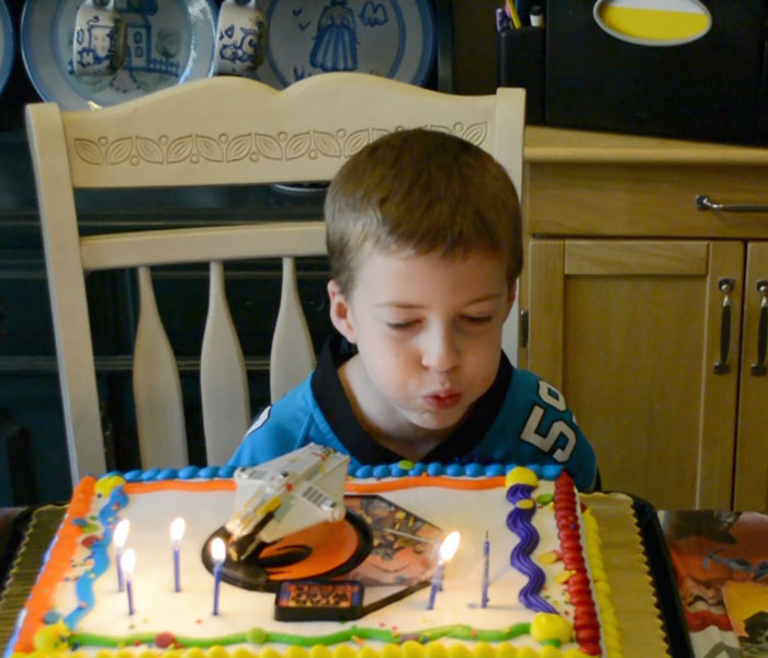 will-bday-cake-candles-4